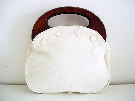 Vintage 1970s cream Bermuda bag/ preppy style/ wooden handles/ tan cotton canvas cover/ pearly buttons