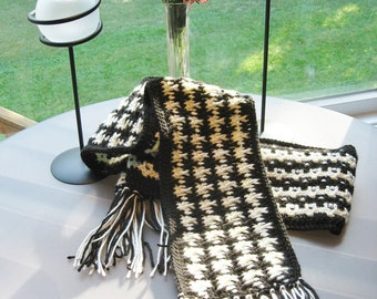 Black & Off-White Crochet Houndstooth Scarf Pattern