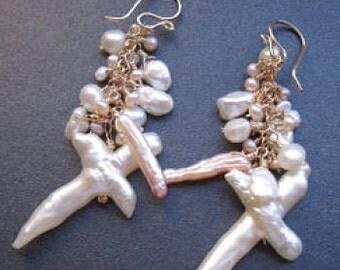 Dangling mixed pearls earrings Cosmopolitan 60