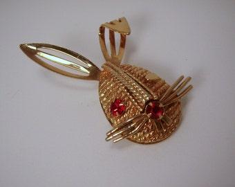 March Hare Red Rhinestone Eye Bunny Rabbit Sarah Coventry Brooch Pin