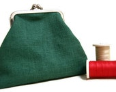 Coin purse green linen, Kisslock frame coin purse, gift for her, handmade coin purse