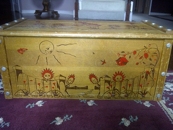 Vintage CHILDRENS TOY CHEST - 1950s Sold through Sears