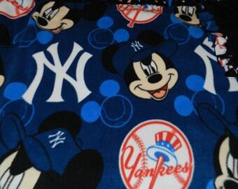 New York Yankees Mickey Fleece Blanket, Mickey Fleece Ties Blanket, Yankees