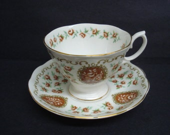 Fantastic Cup and Saucer by Royal Albert Bone China England Pedestal Teacup Cameo Series Heirloom