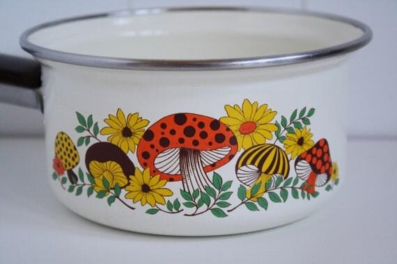 Vintage Merry Mushroom Enamel Pot, Toadstools, 1980's Housewares, Mushrooms, Vintage Sears