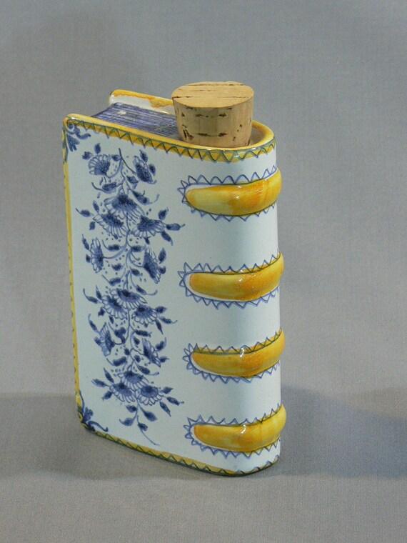 Porcelain Book Flask - Hand Warmer - Museum of Art -  MG-087