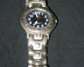 725 Men's Quartz Wrist Watch