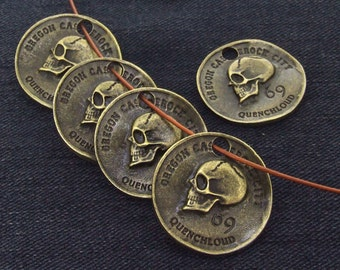 5 Beads Charm Coin Skull Pendants Antique Brass bronze Plated Victorian Pendants Beads -----28mm ----- 5 Pieces 2C
