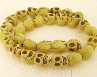 One Full Strand--- Skull Yellow Turquoise Beads----10mmx12mm----about 30 Pieces----15.5inch strand