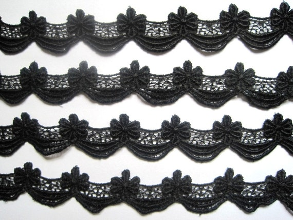 "Victorian Scalloped Venice Lace Trim, Black, 1"" inch wide, 1 Yard, For Historical Costume, Dolls, Home Decor, Victorian Crafts"
