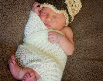 SALE Baby girl crochet hat with flower, brown and cream, fall, newsboy, photo prop, winter fashion, Thanksgiving