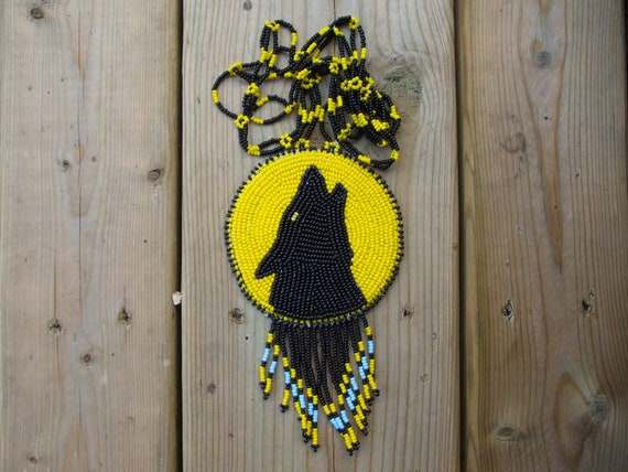 wolf necklace,native american,pow-wows,wolf medallion, native beadwork