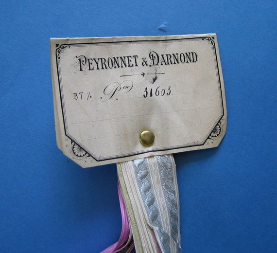 French RIBBON SAMPLES / Swatch French ANTIQUE Silk - Collectable 31603