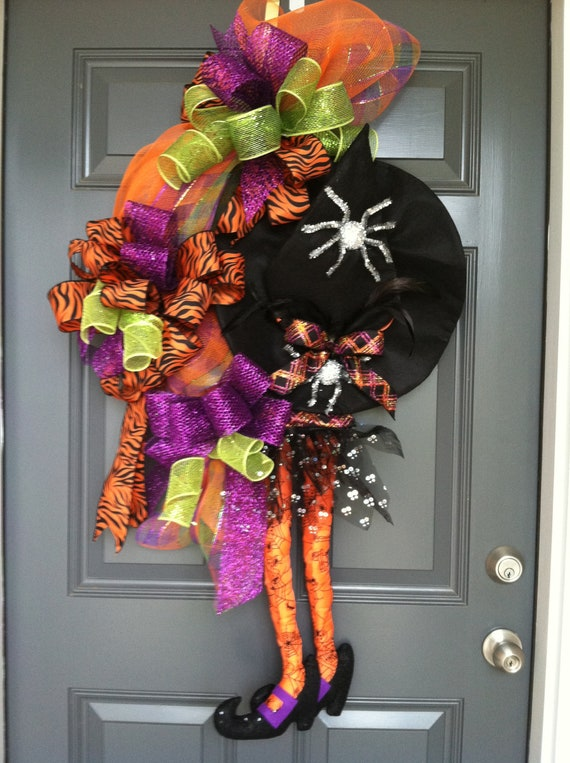 witch halloween wreath. Black Bedroom Furniture Sets. Home Design Ideas