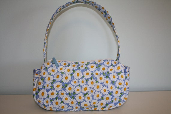 Blue Daisy Floral Quilted Purse