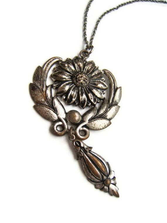 Vintage Flower Necklace, pendant, silver tone, vintage jewellery, costume jewelry
