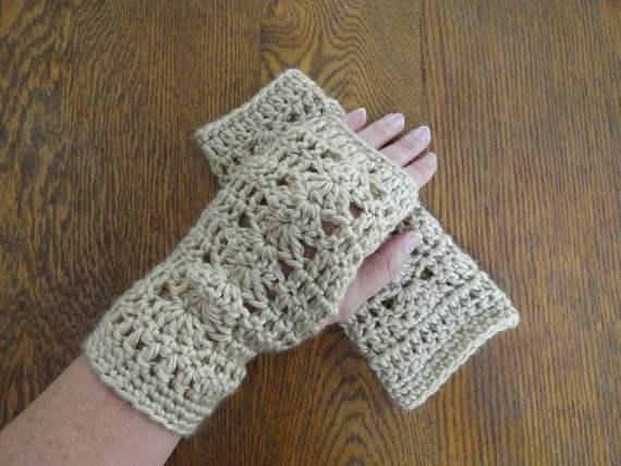 Crochet LACY Fingerless Texting Gloves Tan Women Teen Shell