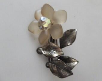 1960s Flower Brooch