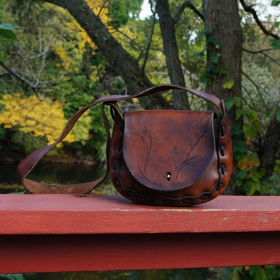 70s Brown Leather Hand Tooled Boho Bohemian Hobo Hippie Bag- Great Patina Simple Design