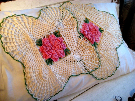 Reserved for Marilyn - Vintage doilies, Large flowered crocheted cotton, pink, green,