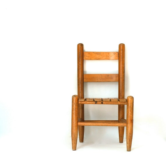 Charming Vintage Light Wood Child's Chair