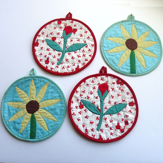 vintage quilted potholders red rosebuds yellow brown-eyed Susans