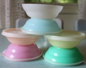 Vintage rainbow pastel Tupperware ice cream cereal bowls. 6 bowls, 5 lids. Aqua blue, white, yellow, orange, and pink.