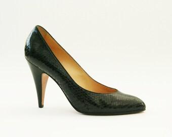 Vintage snakeskin shoes, 1960s black heels reptile Italian vintage shoes signed Casadei for Aldrovandi