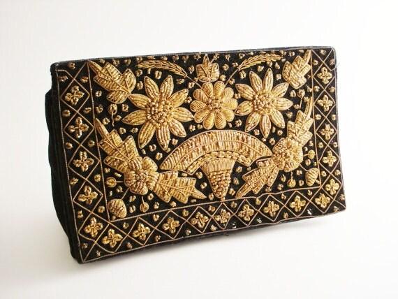 Vintage Gold-Embroidered Velvet Clutch / Vintage Velvet Clutch / Embroidered Clutch / TREASURY ITEM