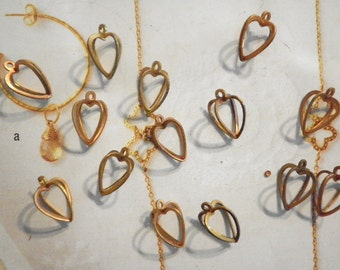 14 Brass 13mm Heart Cages