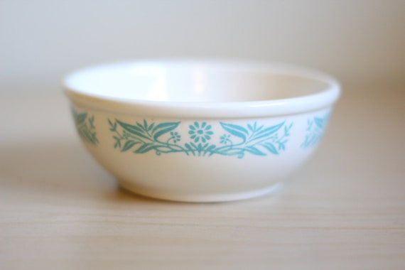 Vintage 1960s Small White Bowl With Blue Design By Homer Laughlin