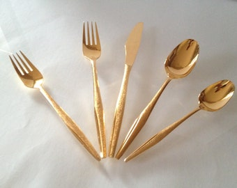 MCM Gold 5-Piece Florentine Flatware Setting (rental available)