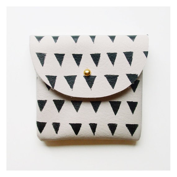 CARDHOLDER POUCH // ivory with black triangels