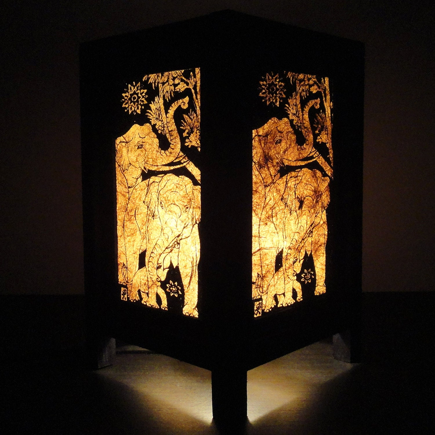 Asian oriental thai elephant bedside table lamp by marwincraft for Thai classic house 2