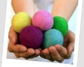 Jumbo Felt Balls -  4 cm - 20 count - Mixed Colors