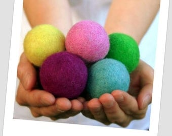 Jumbo Felt Balls -  4 cm - 10 count - Mixed Colors