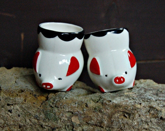 RESERVED for Noelwan94 Retro 60s little china pig egg cups