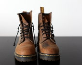 The Original Dr. Martens (Made in England) Wmn's size 6