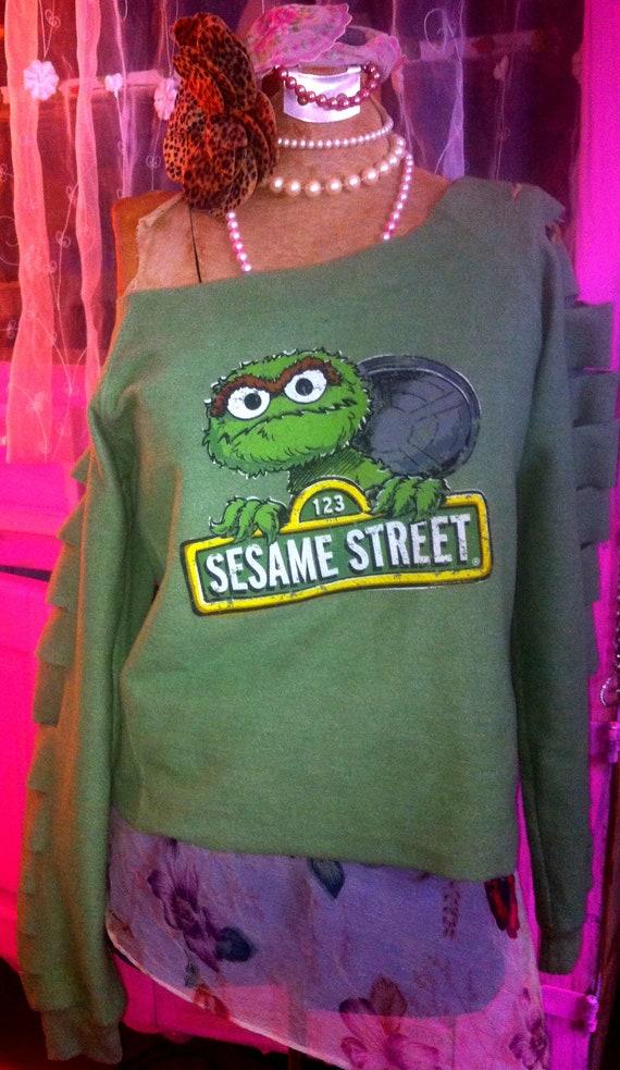 Sesame Street Green Sweat Shirt Long Sleeve Sweatshirt 123 Sesame Oscar the Grouch