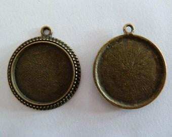 10 x Antique Bronze round cameo style 1 inch pendant trays