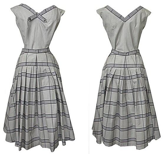 Vintage 1950s 2-Piece Dress Sleeveless Blouse & Plaid Full Skirt Leyton Classic