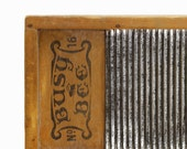 Busy Bee Travel Washboard: Antique Washboard, Lingerie Size - Wood, Metal, Wall Art, Laundry - Farmhouse, Cottage Chic, Autumn
