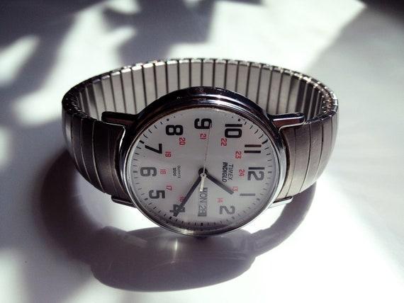 Men's silver tone vintage Timex Indiglo Quartz watch