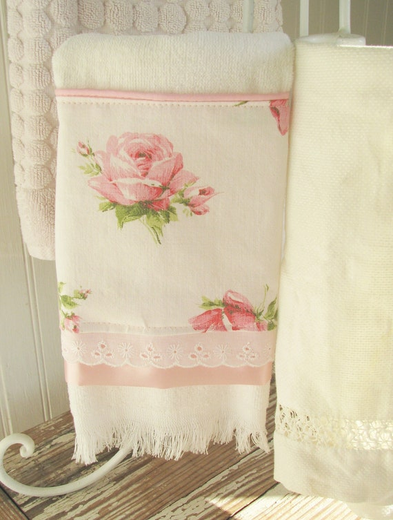 New Bath Guest Towel Of Vintage Cabbage Roses Eyelet Shabby
