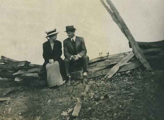 Courting Couple Seated on Dilapidated Fence : c1910s Vintage Photo