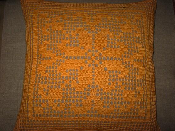 Throw pillow hand crochet in orange yarn and flax backing - 16x16