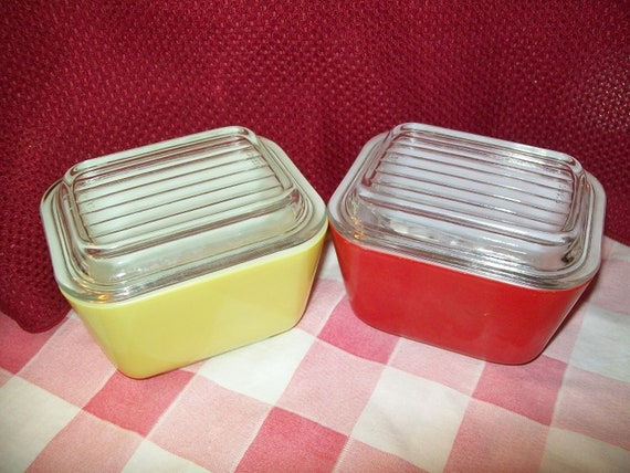 Primary Red & Yellow Pyrex butter refrigerator glass dish bowl with original ribbed lids refridgerator