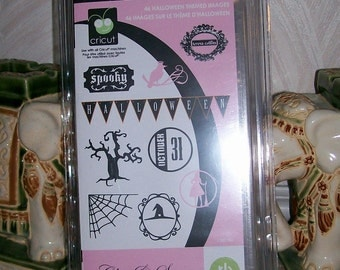 CHIC & SCARY -CRICUT Cartridge-  Boxed and Sealed Edition for HALLoWEEN- by THeresa Collins- New in Pkg - Rare Cartridge