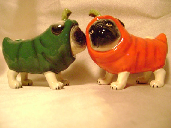 Magnetic Kissing Jalapeno Chili Pepper Puppies ( Salt and Pepper shakers)