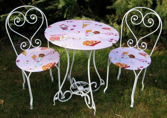 Kid's Ice Cream Parlor Table & Chair Set
